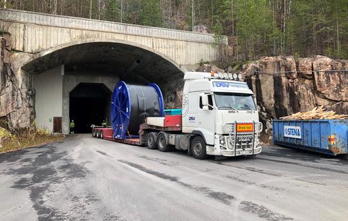 PR photos for Letsi hydropower